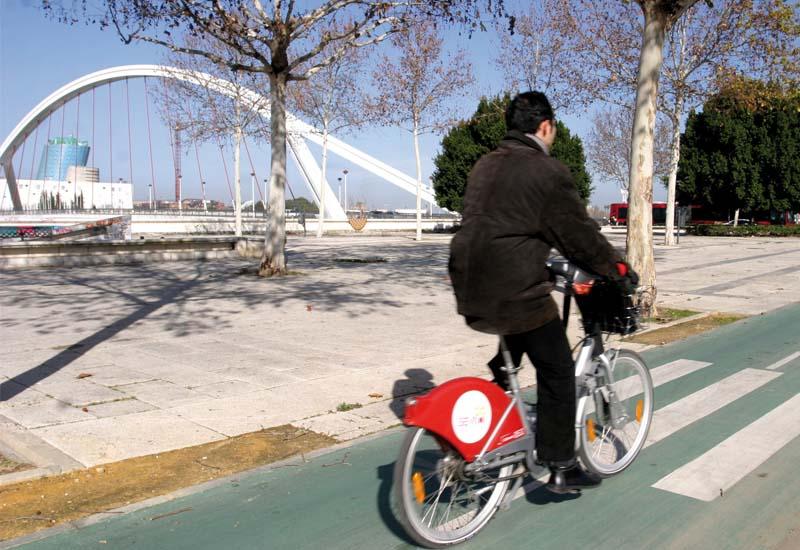El Ayto. de Sevilla renuncia a la movilidad ciclista