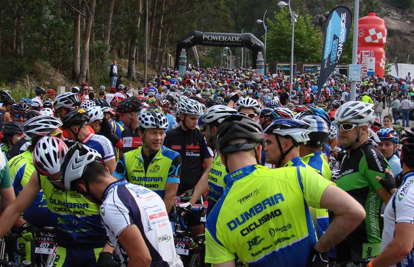 El Gran Fondo Ézaro roza los 1.000 participantes a un mes de su celebración