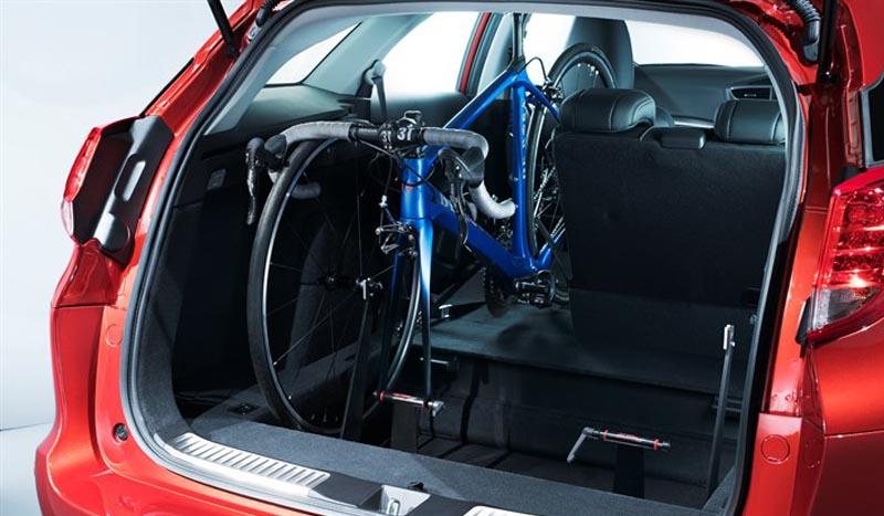 El nuevo Honda Civic Tourer con portabicicletas integrado
