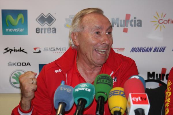 Mínguez anuncia la preselección de 14 corredores para el Mundial