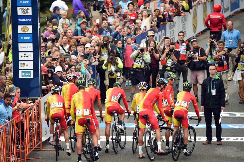 Mínguez desvela los nueve ciclistas convocados para el Mundial de Qatar