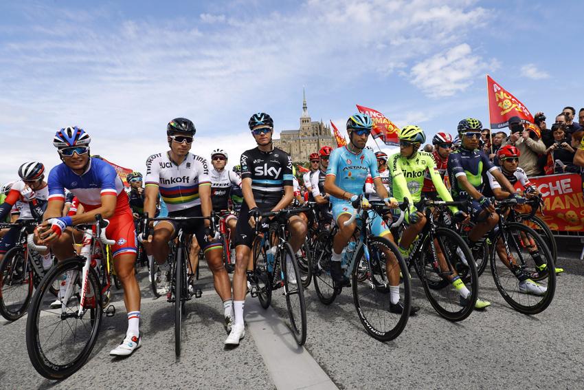 Solo se permitirán ocho ciclistas por equipo en las grandes vueltas