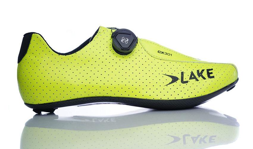 Lake presenta sus nuevas zapatillas CX 301