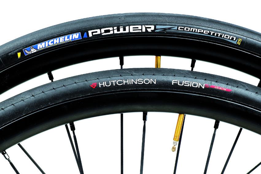 Comparativa: Hutchinson Fusion 5 Galactik vs Michelin Power Competition