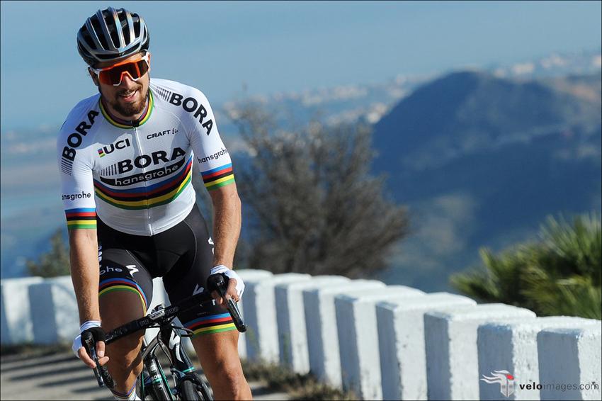 Peter Sagan estrena su maillot arcoíris con el Bora-Hansgrohe