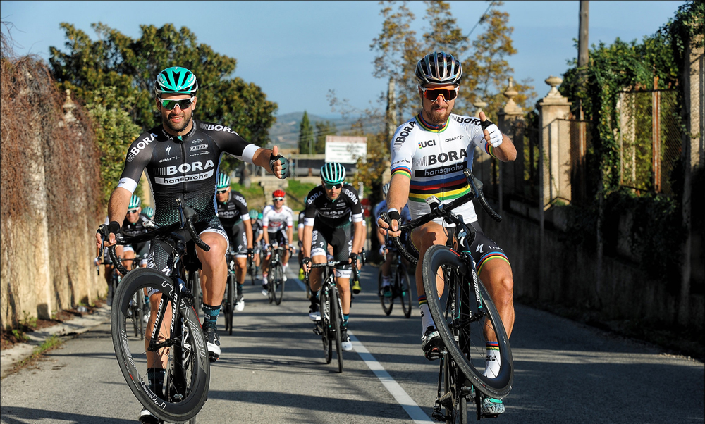 Vídeo: Sagan celebra el nuevo año con más diabluras sobre la bicicleta