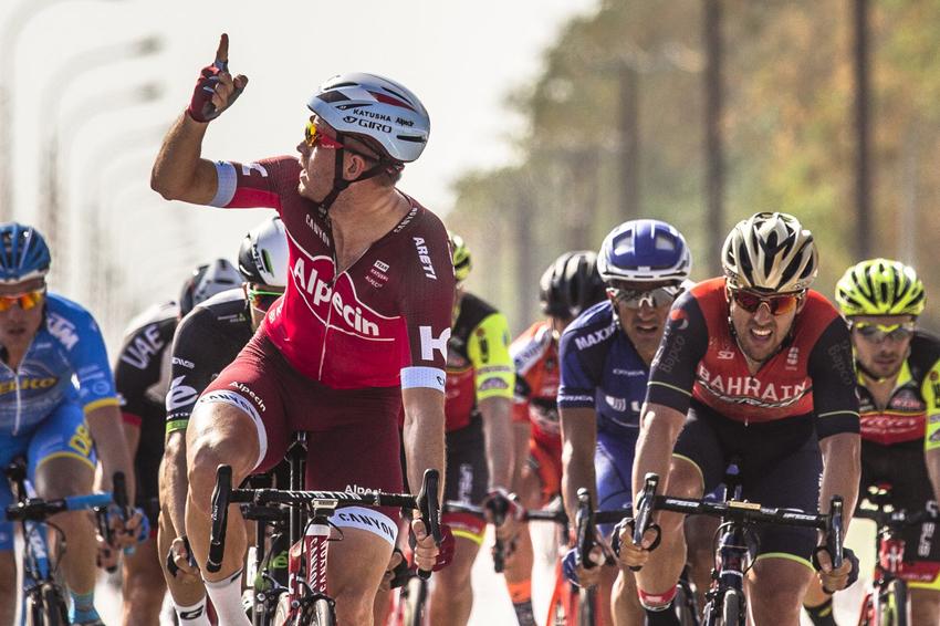 Tour de Omán: Kristoff gana, Boonen se cae