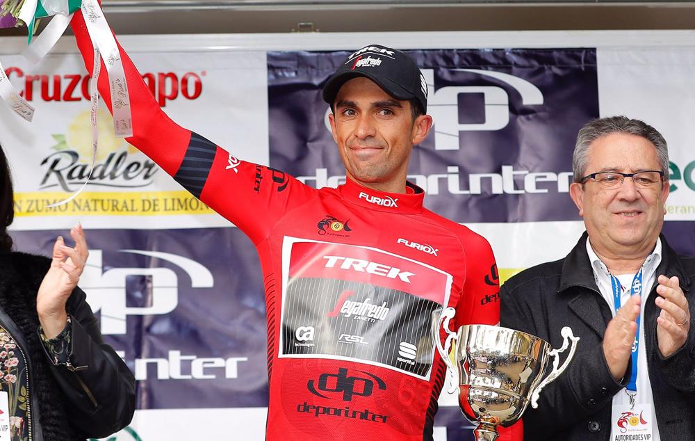 Contador logra el liderato y Pinot se hace con la etapa