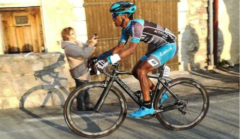 Awet Andemeskel, de refugiado a ciclista profesional
