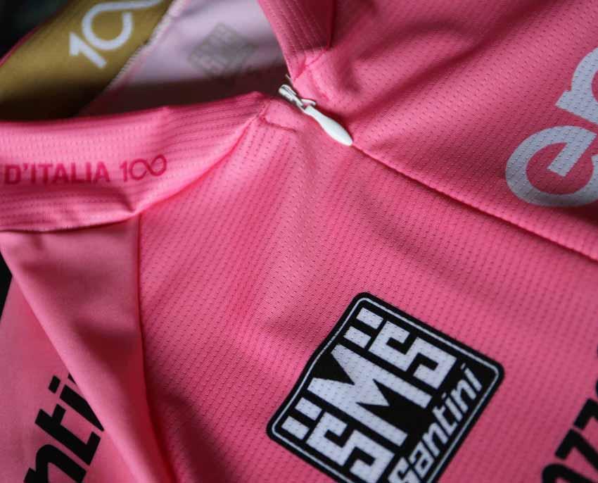 Santini presenta los maillots del Giro del centenario
