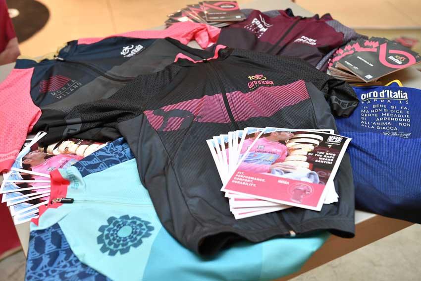 Santini dedica una colección al Giro de Italia 2017