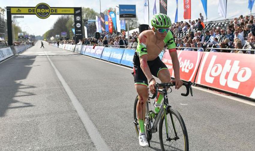 Breves: Vanmarcke se pierde París-Roubaix, Dowsett es el nuevo líder en la Sarthe...