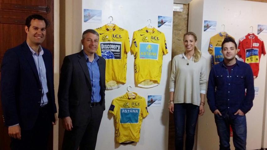 Exposición ciclista en Oliva con motivo de la VII Marcha Alberto Contador