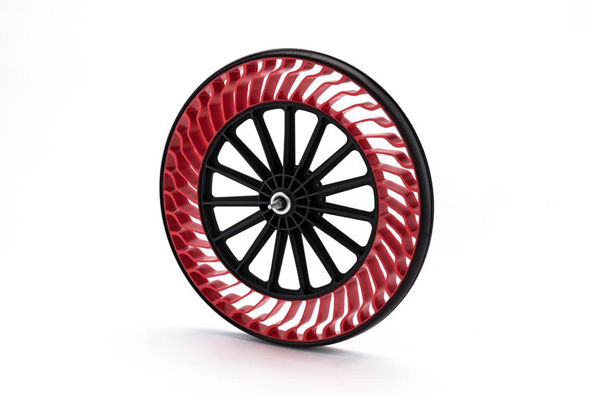 Bridgestone desarrolla un neumático que no necesita ser hinchado