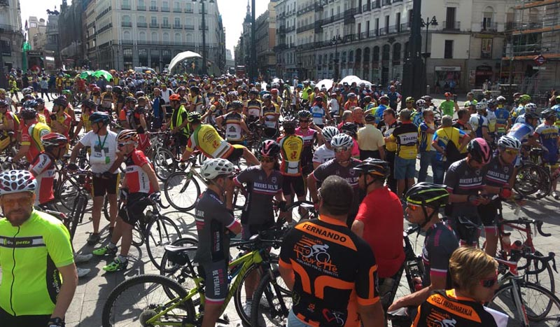 Éxito de las concentraciones por el respeto a los ciclistas