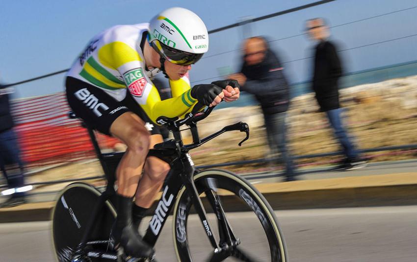 Rohan Dennis, primer líder del Tour de Suiza