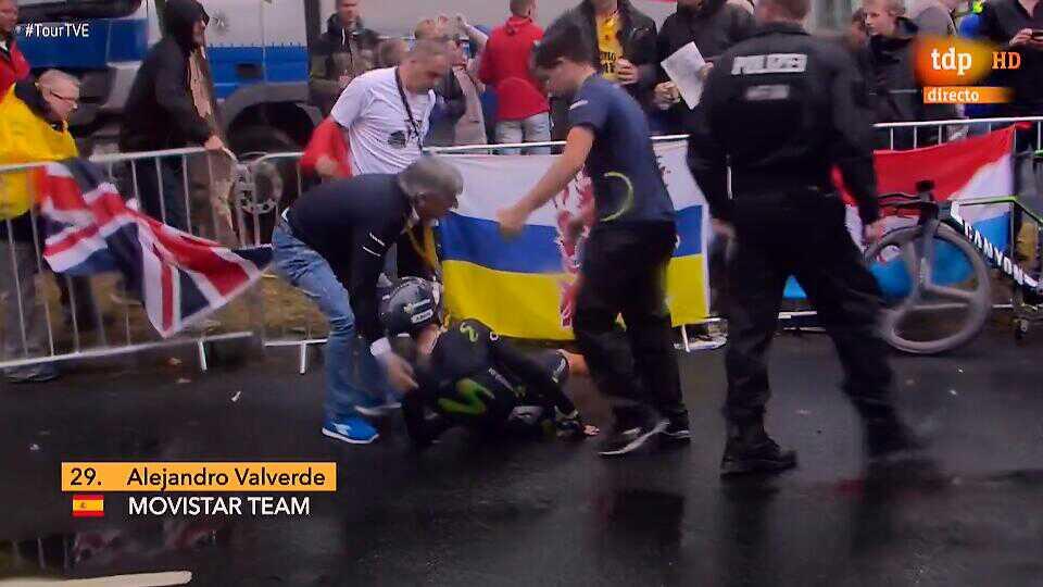 Vídeo: Valverde, con una fractura de rótula, abandona el Tour