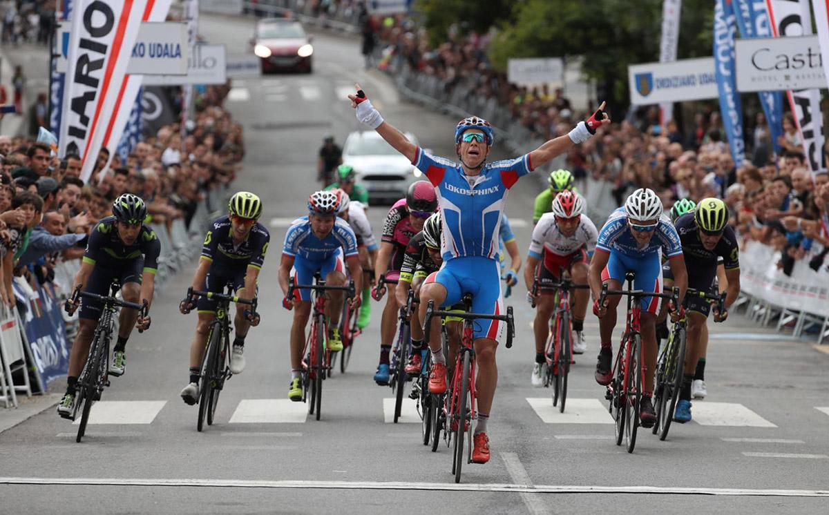 Shilov sorprende a los World Tour en Ordizia