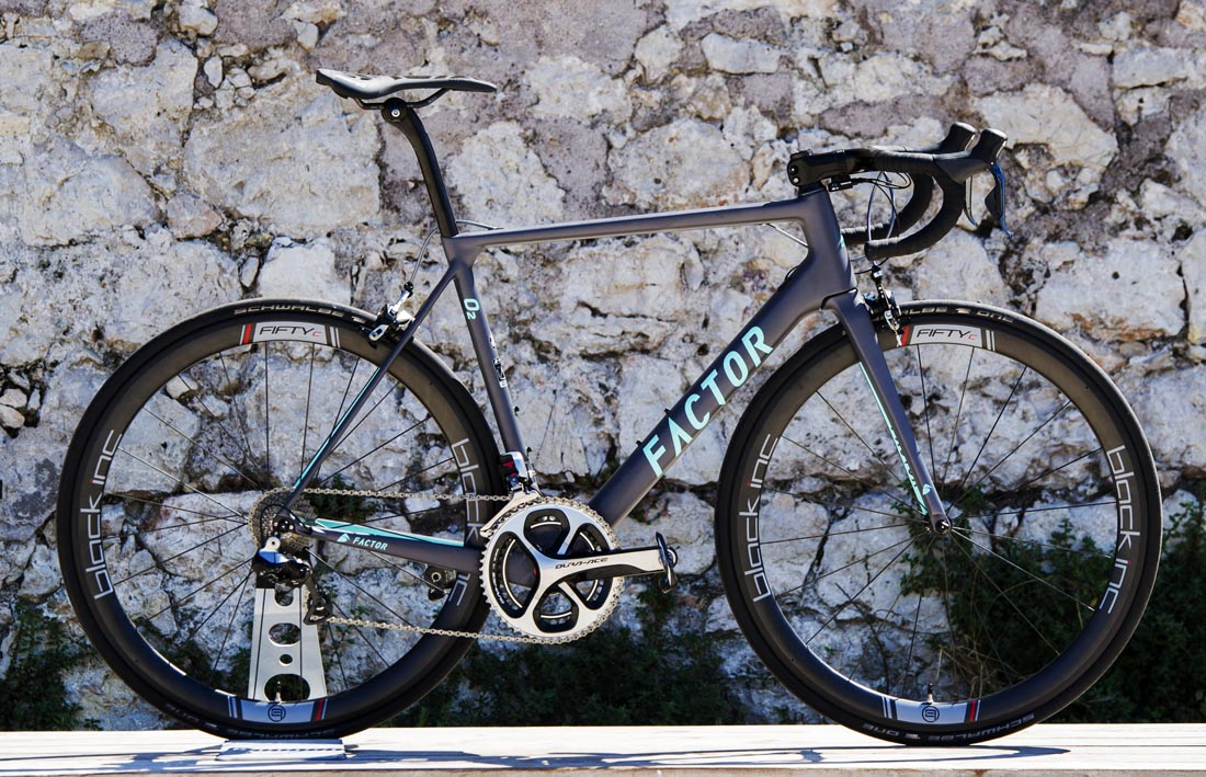 Las bicicletas Factor, del Ag2R-La Mondiale, ya en España