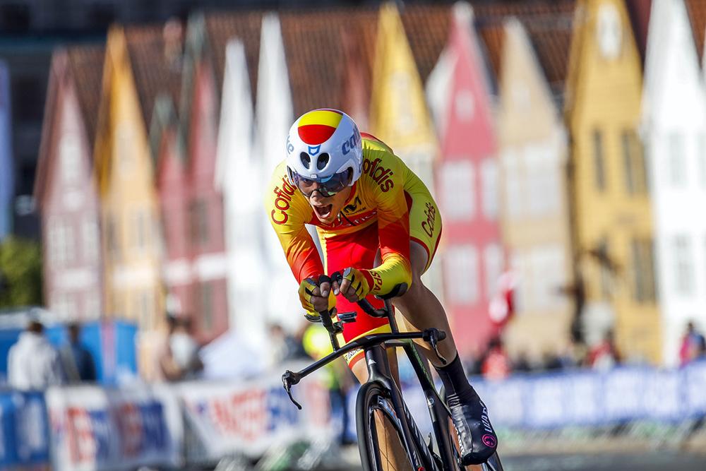 Castrillo salta al profesionalismo con Movistar Team