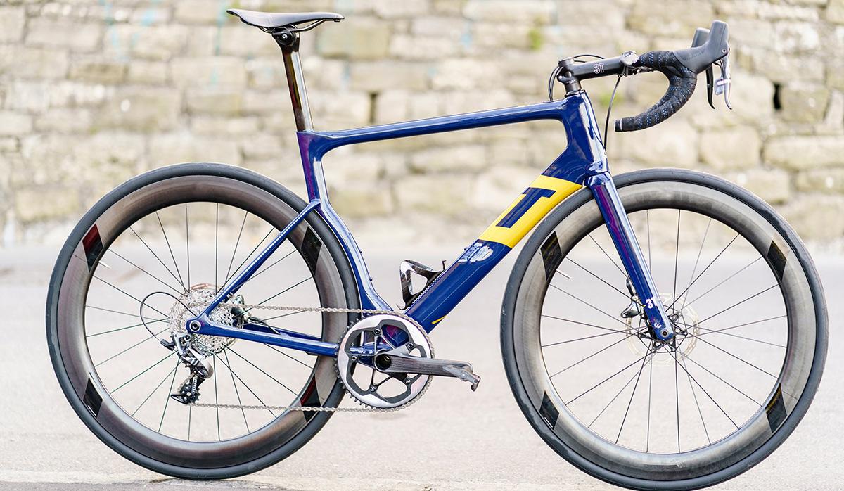 Aqua Blue revela los detalles sobre la bici monoplato que usarán en 2018