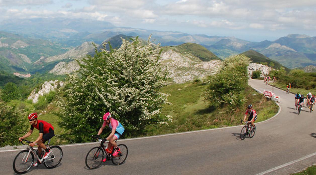 El 9 de junio se celebrará la Lagos de Covadonga Ride by Movistar 2018