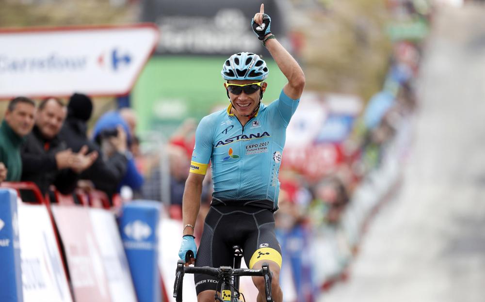 Supermán López renueva con Astana hasta 2020 y será líder en el Giro