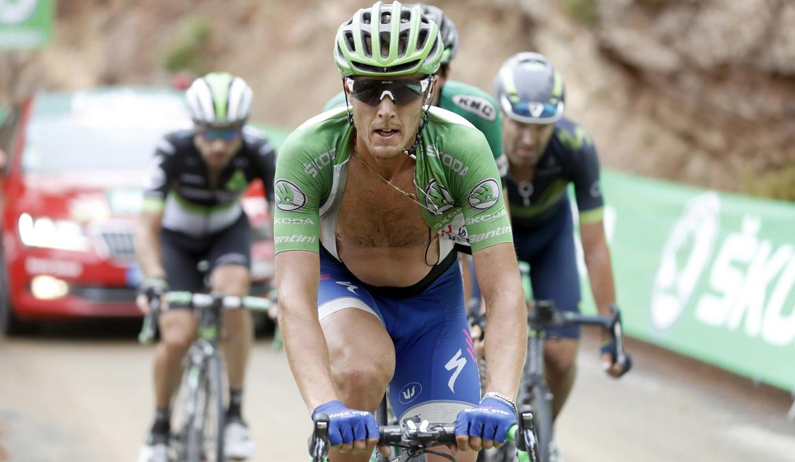 Matteo Trentin sufre una fractura de costilla