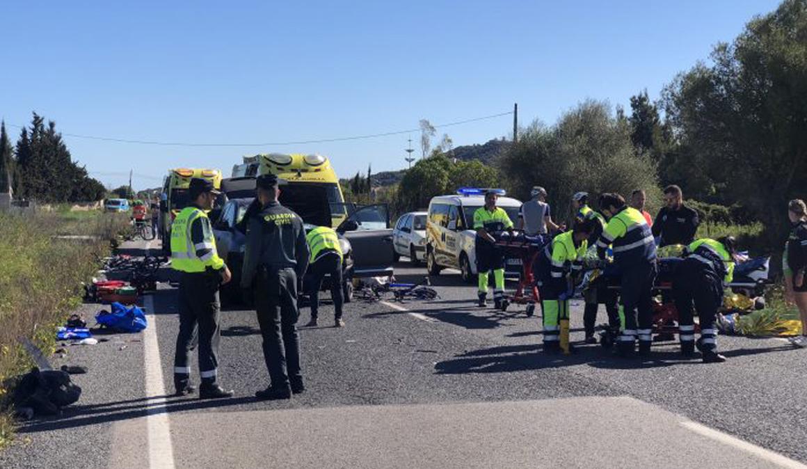 Nueve ciclistas heridos, dos graves, en un accidente en Capdepera (Mallorca)