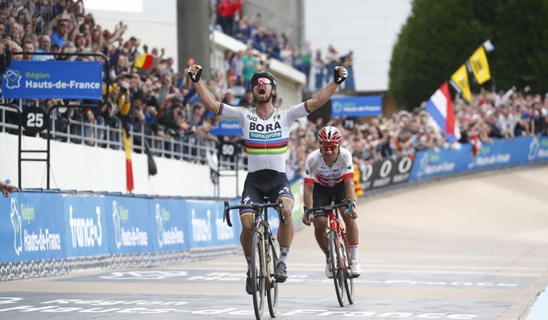 Sagan conquista su primer adoquín de Roubaix con un ataque sobre el asfalto
