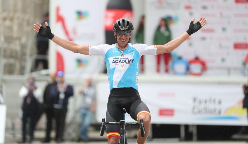 Rubén Plaza conquista la Vuelta a Castilla y León en Ávila