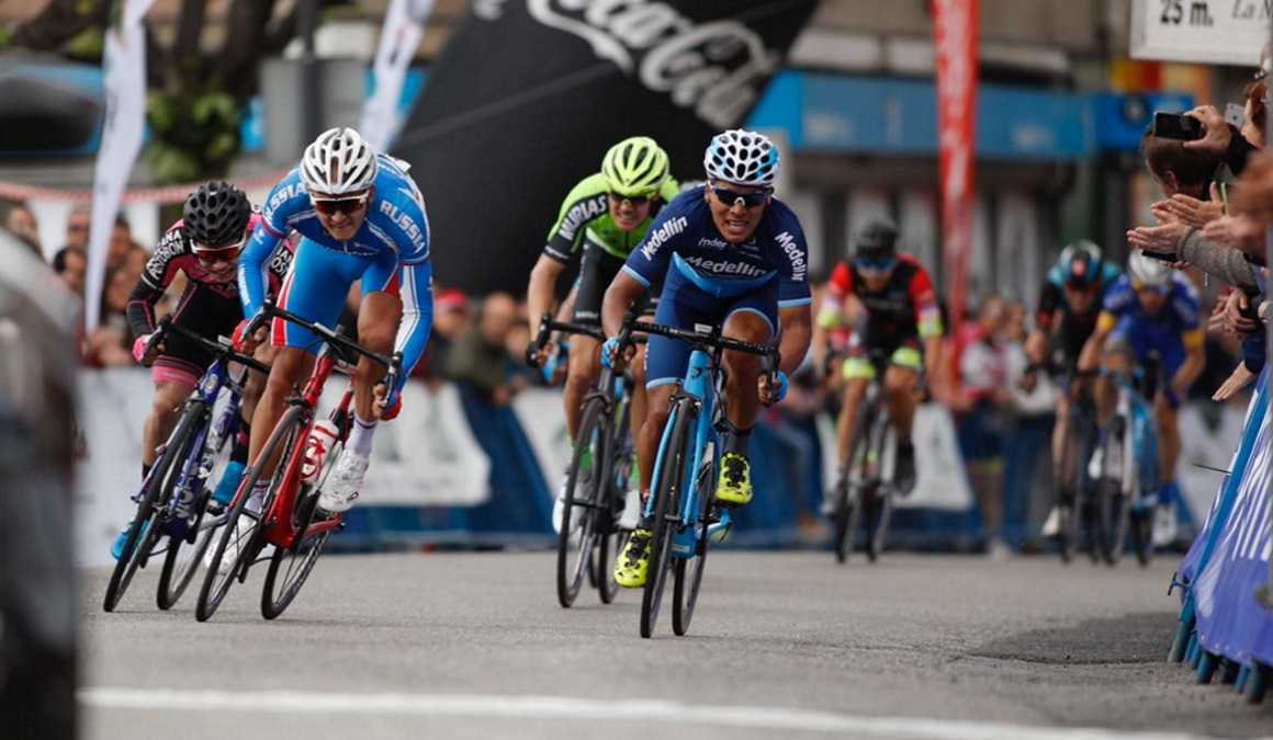 "Vuelta a Asturias: Strakhov le ""roba"" el triunfo a Caicedo"