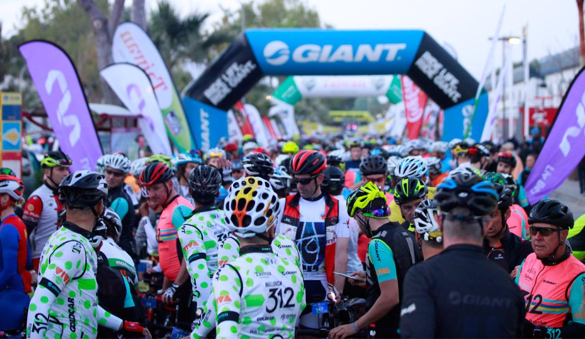 8.000 cicloturistas pedalean en la Mallorca 312-Giant- Taiwan
