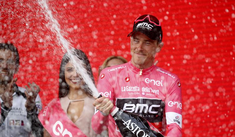 El australiano Rohan Dennis, nuevo líder del Giro de Italia