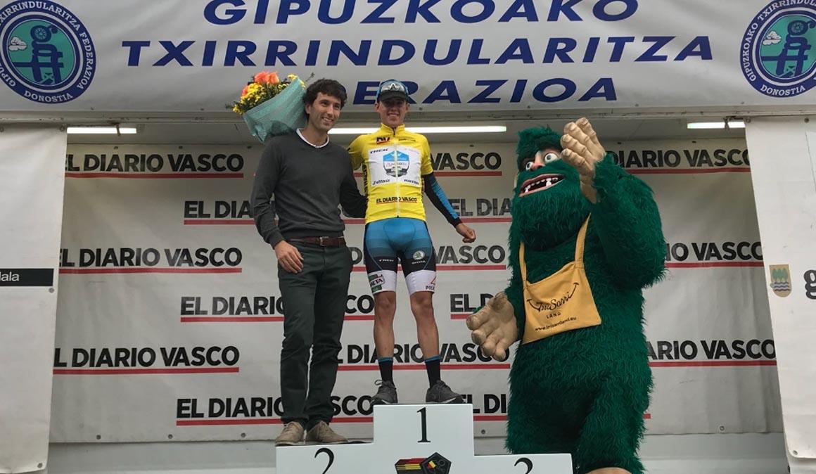 Juan Pedro López, primer líder de la Vuelta al Bidasoa