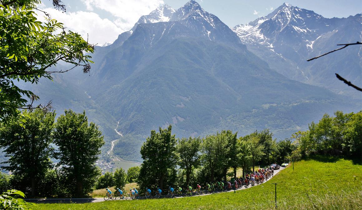 Un paseo por los Alpes para decidir el Giro