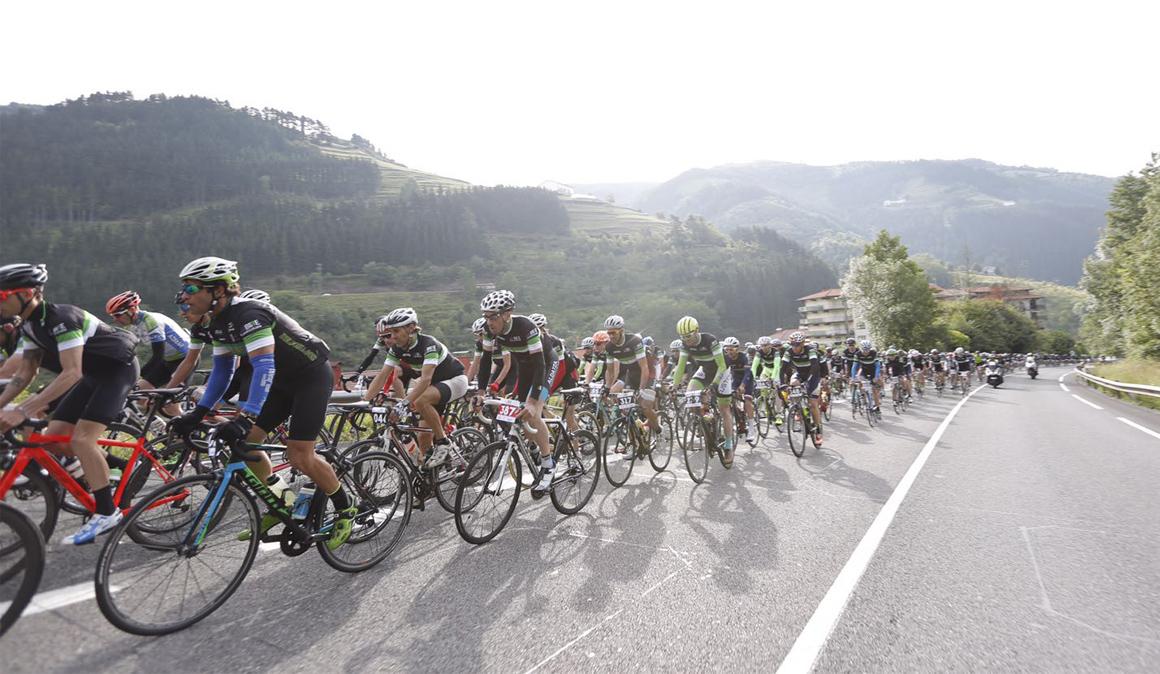 1.000 cicloturistas en la III Gran Fondo BIBE Transbizkaia y su Media Fondo