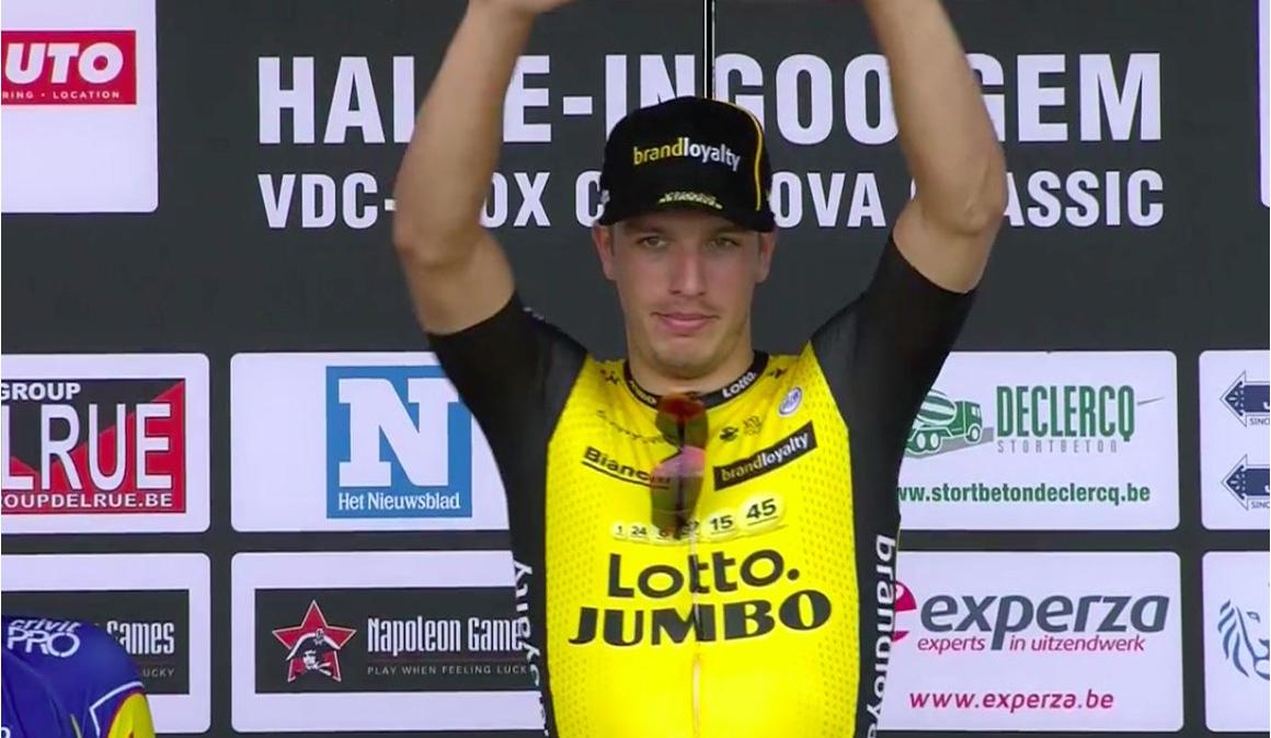 Van Poppel gana la Halle Ingooigem en un cerrado sprint