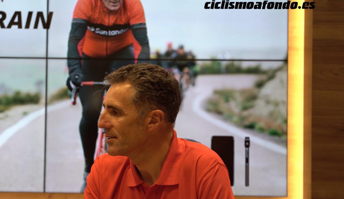 De charla con Miguel Indurain durante la Vuelta123 del Banco de Santander