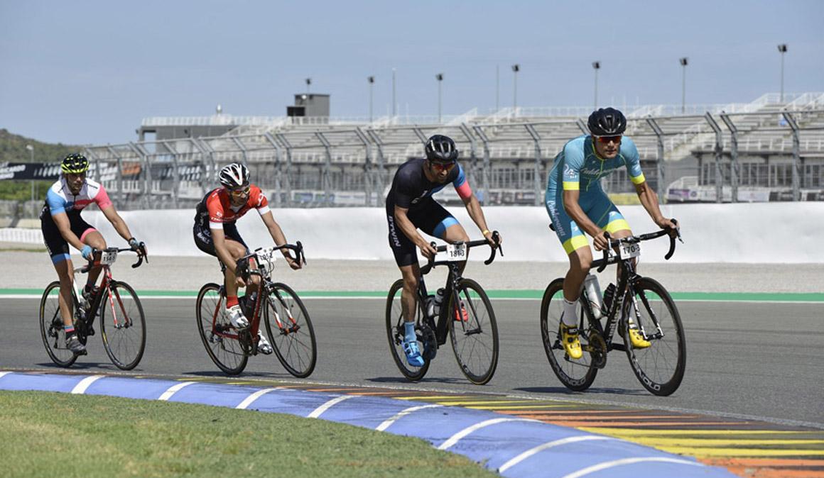 24 horas Cyclo Circuit: festival de ciclismo en el Circuito de Cheste
