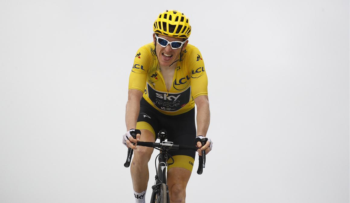 Geraint Thomas acaricia el amarillo en París