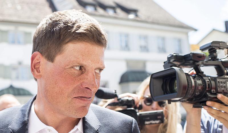 En libertad Jan Ullrich con una orden de alejamiento de su vecino, Til Schwiger