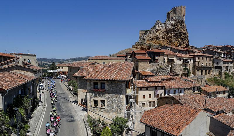 Vuelve la Vuelta a Burgos, con el Picón Blanco y las Lagunas de Neila como jueces