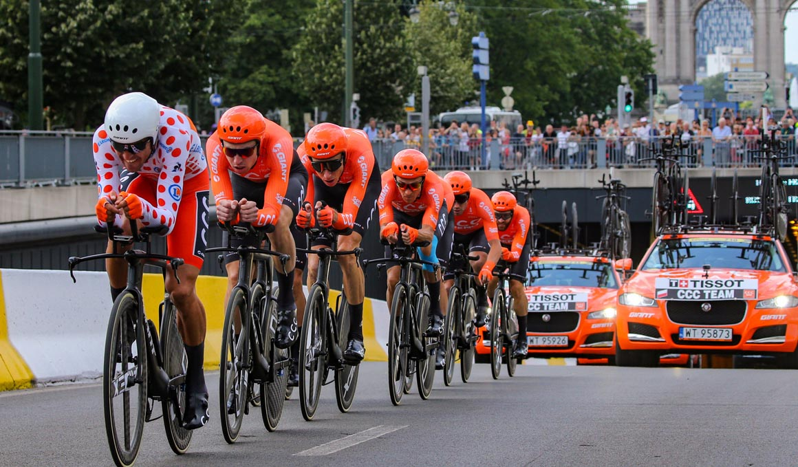 La aerodinámica y su incidencia en la eficiencia del ciclista