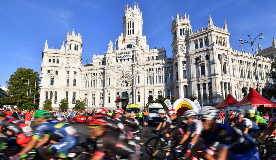 ¡Vive la última etapa de la Vuelta a España con Oakley® y Ciclismo a Fondo!