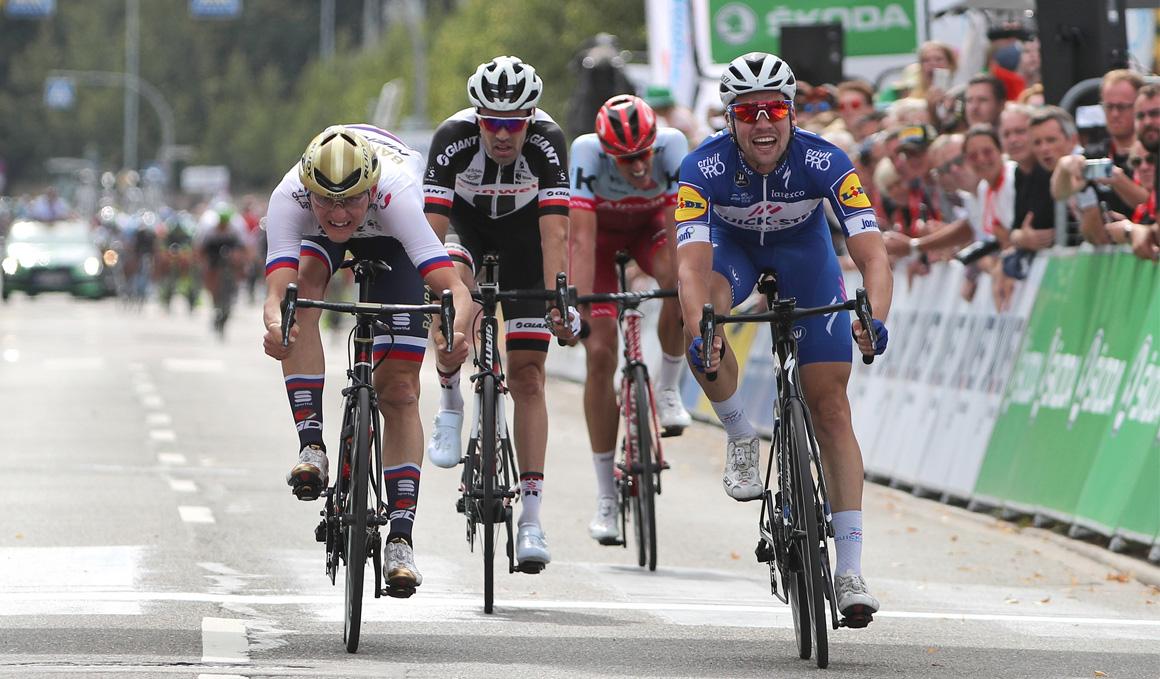 Schachmann, etapa y liderato en la Vuelta a Alemania