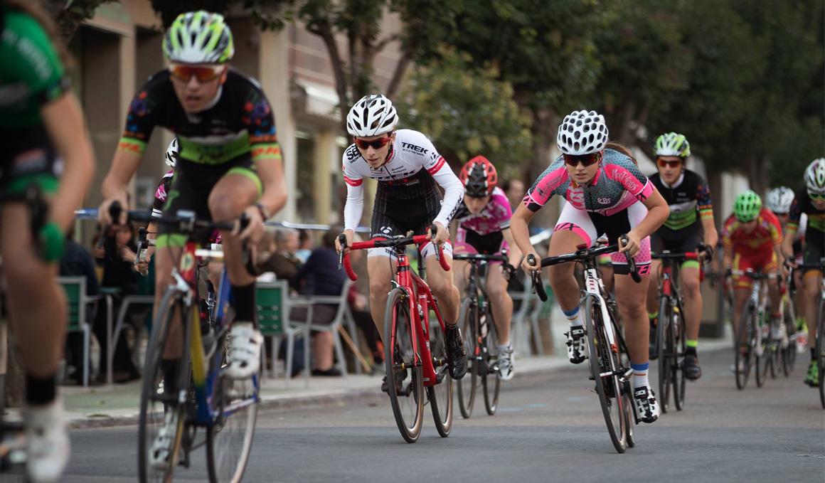 """El ciclismo en clave femenina, protagonista de  """"Educando con el Ciclismo"""""""