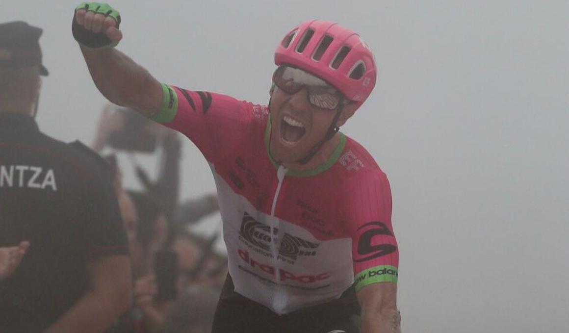 Valverde aprieta a Yates y Enric Mas asalta el podio