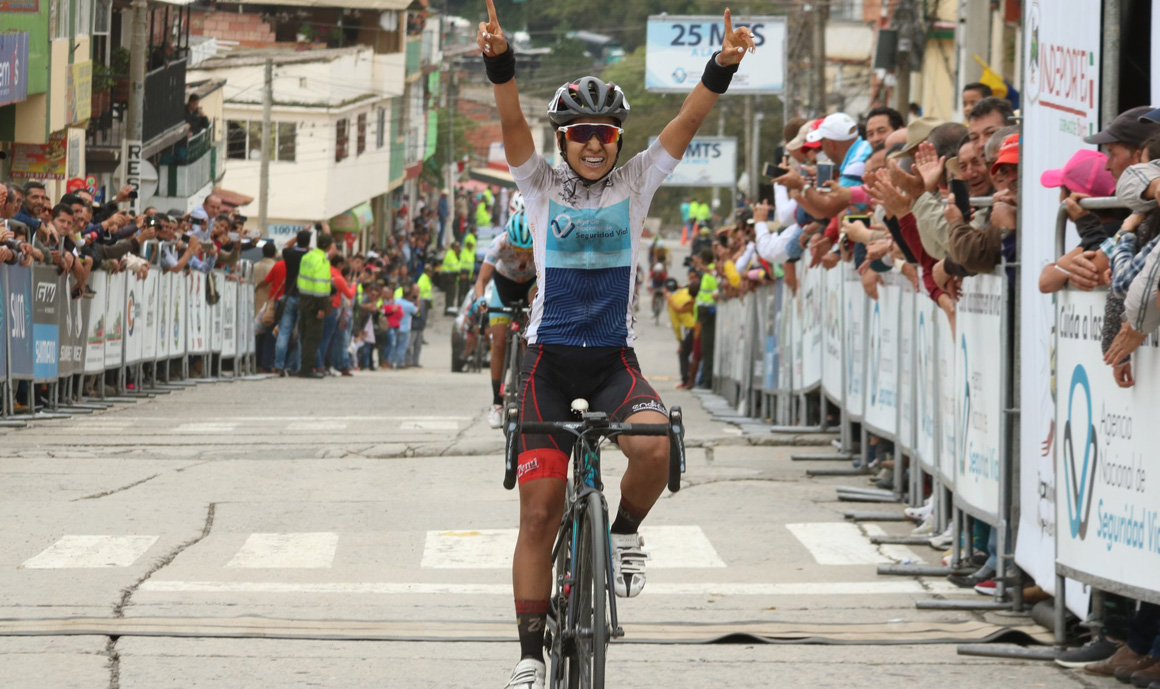 Paula Patiño completa el Movistar Team femenino 2019
