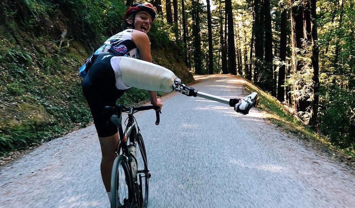 Adrien Costa vuelve a sonreír sobre una bici